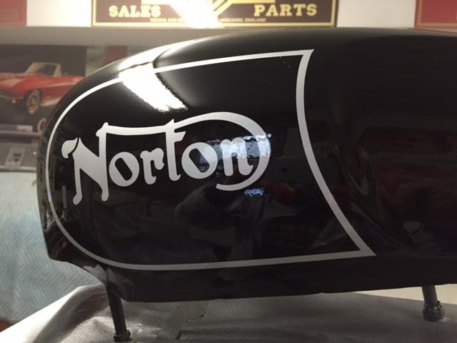 NortonCommandoTank10